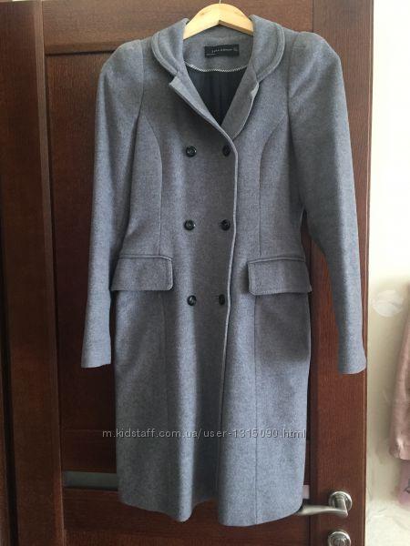 Пальто ZARA в идеальном состоянии, размер S