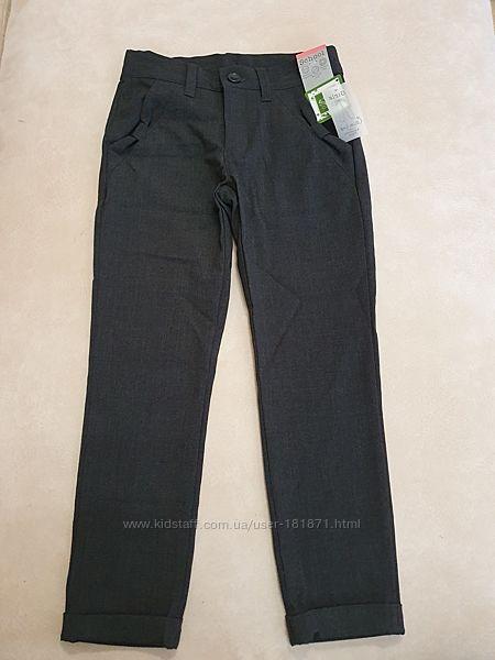 Новые школьные брюки Matalan, на 7 лет