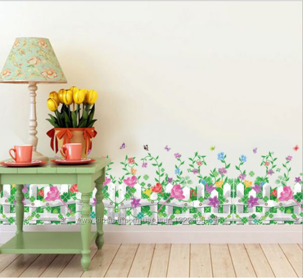 Интерьерная наклейка на стену Забор и цветы 98х36 см