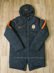 Удлинённая куртка NIKE, оригинал, размер L.