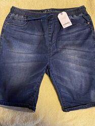 Продаю новые джинсовые шорты на мальчика Next