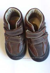 Кожаные ботинки демисезонные Котофей р 22