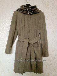 Шерстяное пальто ZARA с поясом, воротник стойка