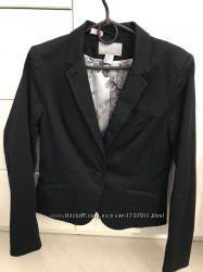 Пиджак черного цвета, размер М, НМ.