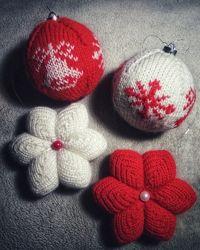 Набор вязаных ёлочных игрушек ручной работы