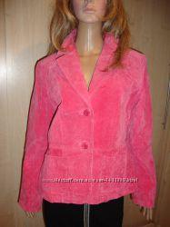 Пиджак ярко-розовый 48-50 натуральный замш.