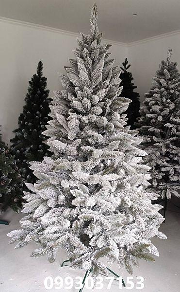 Искусственная зеленая ель ПВХ Карпатская снежная
