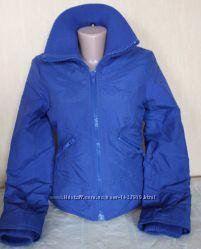 куртка приталенная утеплённая синяя divided 34  xs