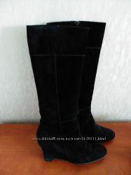 Демисезонные сапоги замшевые 39 размер, внутри натуральная кожа
