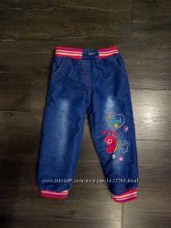 Теплые джинсы на меху- травка на 3-4 года состояние новых