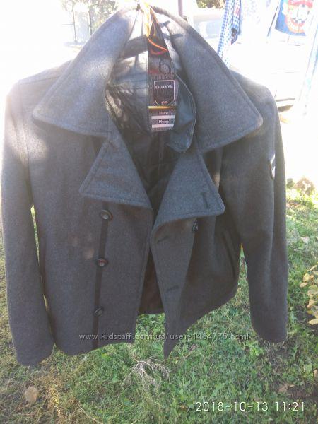 Стильное пальто на мальчика