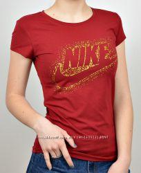 Спортивные женские футболки Nike белая, бордо.