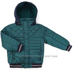 Тёплая фирменная куртка с капюшоном для мальчика. 2 цвета. от 4 - 8 лет.