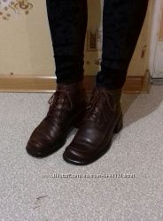 Фирменные кожаные ботиночки в отл состоянии, Стелька 23см