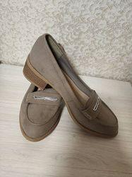 Новые бежевые туфли лоферы  бренда new look, р. 5/38