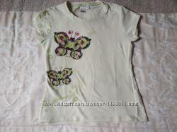 Две футболочки девочке р. 110 в хорошем состоянии