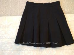 Школьная юбка для девочки р. 134 в отличном состоянии