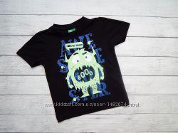Черная хлопковая футболка со светящимся монстром, для мальчика 3-4 года.