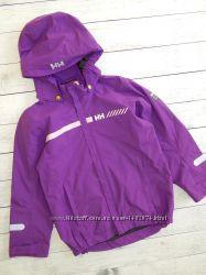 Качественная и удобная ветровка-куртка helly hansen, для девочки 6-7 лет.