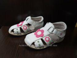 Босоножки сандали фирмы Antilopa натуральная кожа. Размер 24  ст. 15, 5 см
