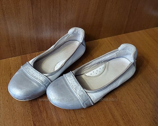 Туфли фирмы Armani оригинал. Размер 29  стелька 18,5 см