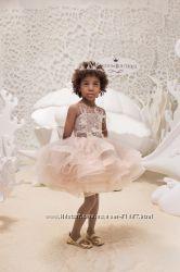 Шикарное нарядное платье на 4 года
