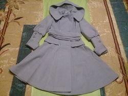 Стильное оригинальное пальто с капюшоном sergio cotti