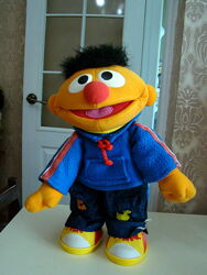 Механическая игрушка из Маппет-шоу Эрни Sesame Street