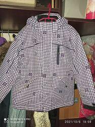 Красивая трехсезонная термокуртка  девочке 116-130, отличное состояние