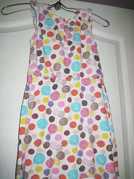 Платье белое в разноцветный горошек
