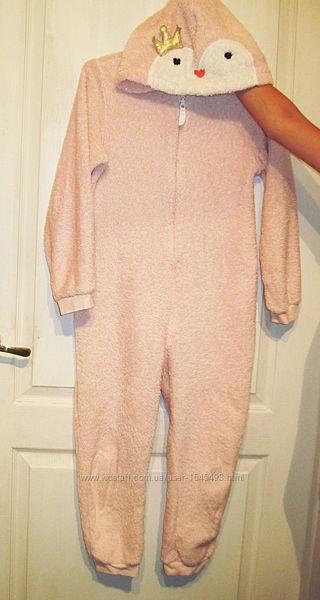 Пижама-комбинезон  нежно розовая  махровая  с капюшоном,
