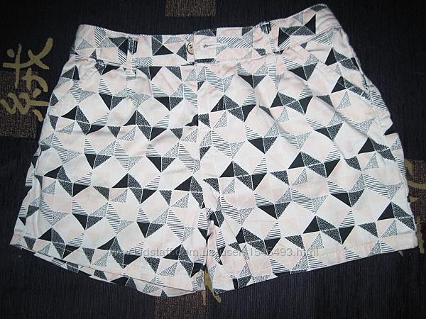 Шорты летние в треугольники