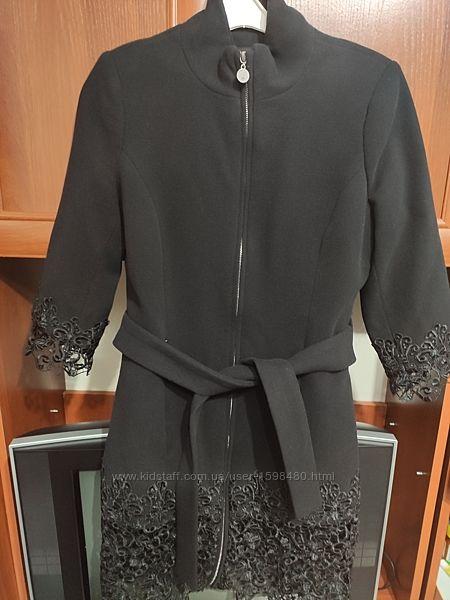 Пальто женское демисезонное с кружевом