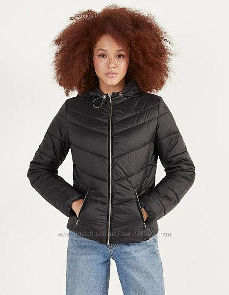 Новая деми куртка Bershka черная