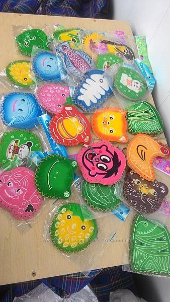 Детский брелок-игрушка разных форм, моделей и расцветок. Очень яркий и крас