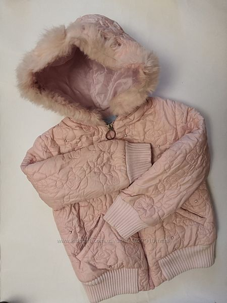 Тёплая курточка на 6 лет.