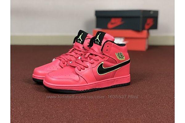 Кроссовки зимние   Nike Air Jordan  36-41 размер