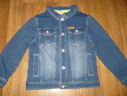 Пиджак под джинс на мальчика 4года 104р.