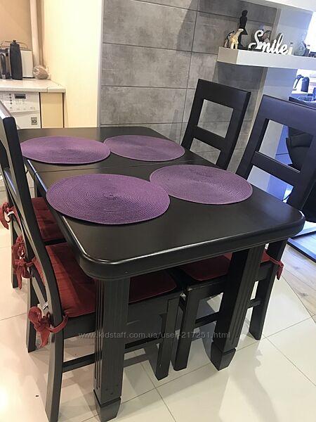 Стол со стульями в итальянском стиле