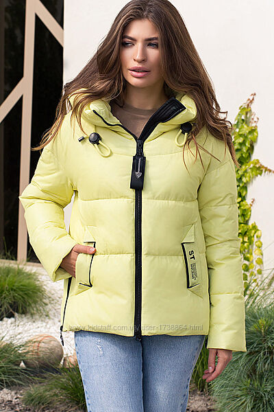 Куртка женская короткая с капюшоном зимняя размеры XS-2XL