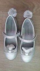 Продам красивые и нарядные туфельки