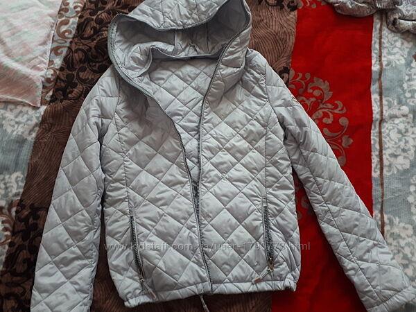 Курточка ветровка р. s