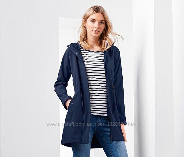 Высокотехнологичная куртка-плащ на флисовой подкладке. 38, 40 евро