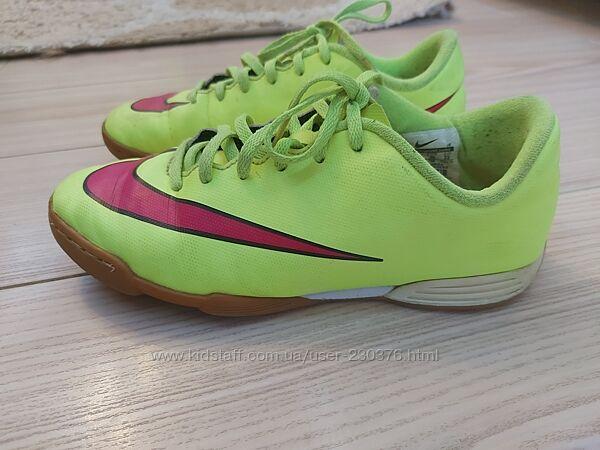 Кроссовки Nike, р.36