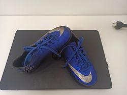 Футбольные сороконожки  Nike