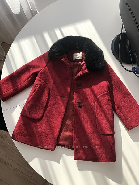 Zara пальто 4-5 лет Б/У