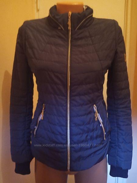 Демисезонная курточка размер 42