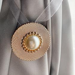 Шторний магніт Перлина у золотистому кольорі