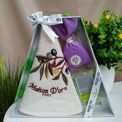 Подарочный мини-набор полотенце  мешочек с лавандой натуральное мыло