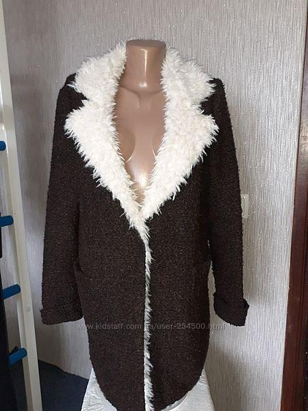 Красивый теплый кардиган-пальтос эко-мехом Аpricot  в состове шерсть ламы.